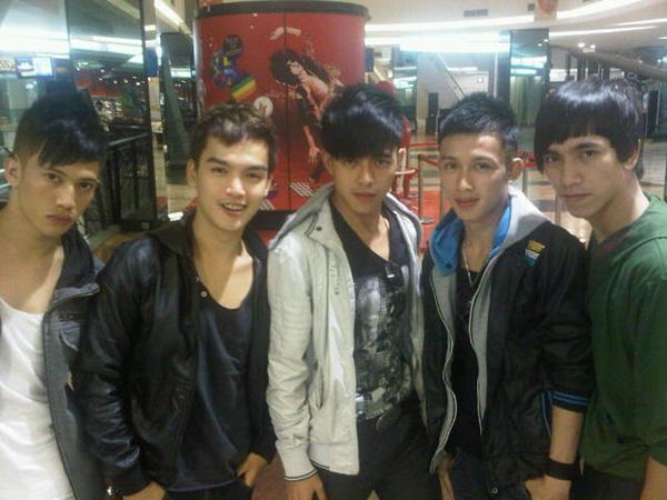 Dragon Boyz Diproduseri Sunu Matta Band