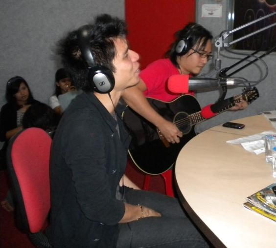 Govinda Phoner dan Live Interview di Nagaswara FM