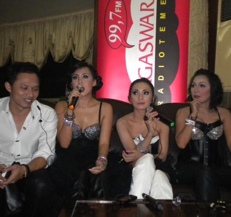 Nagaswara FM Live Launching Album TQLA di Golden Crown Jakarta