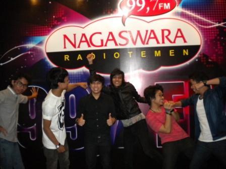 We So Happy Phoner dan Interview di Nagaswara FM