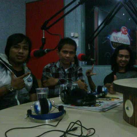Laku Band Phoner dan Live di Temen Sore Nagaswara FM
