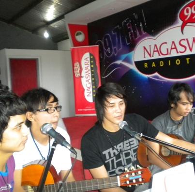 Papinka di Temen Request Malam Nagaswara FM