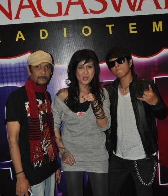 Play Band, Phoner dan Interview di Nagaswara FM