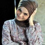Inarovi, Jilbab Wajib, Nyanyi Yes