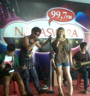 Nixie dan Poppy Capella Live di Temen Radio Nagaswara FM Bogor