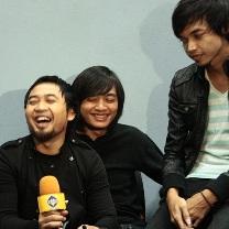 Hello Band Bicara Dangdut