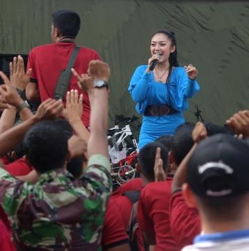 Siti Badriah Teror Rambut Selutut