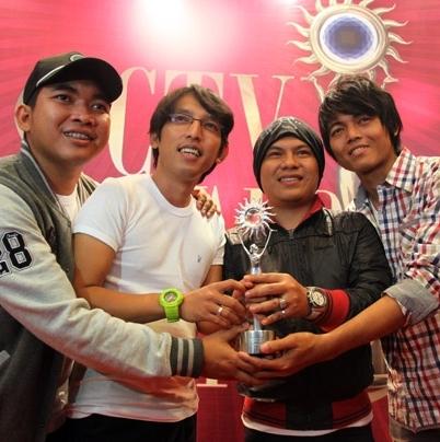 Wali Band dapat SCTV Award Band Paling Ngetop