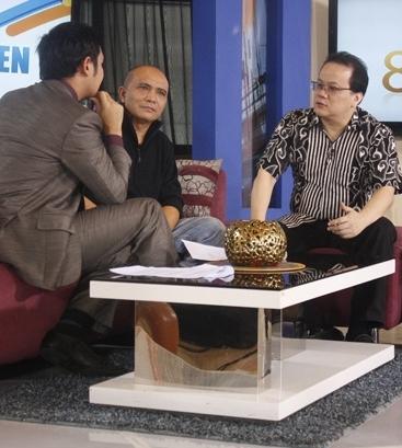 Rahayu Kertawiguna Diskusi K-Pop Fever di 8-11 Metro TV