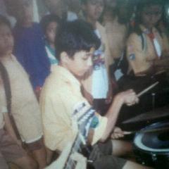Adly Fairus, Suka Musik Sejak Kecil