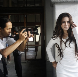 Citra Happy Lestari Syuting Video Klip Selingkuh