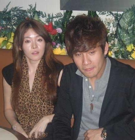 Fendy Chow Gandeng Cewek Korea Di Lagu Baru
