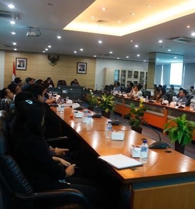 Solusi Masalah Illegal Download di Indonesia