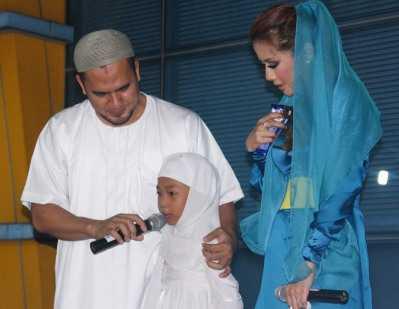 Leeya Sibuk dengan Saipul Jamil