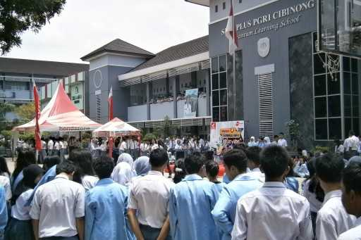 Honda Schoollicious 2012 di SMA Plus PGRI Cibinong