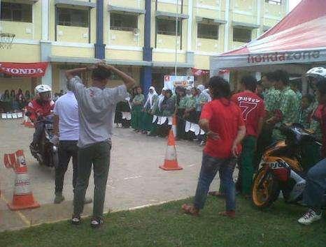 Honda Schoollicious di SMA Widya Kusuma Cileungsi