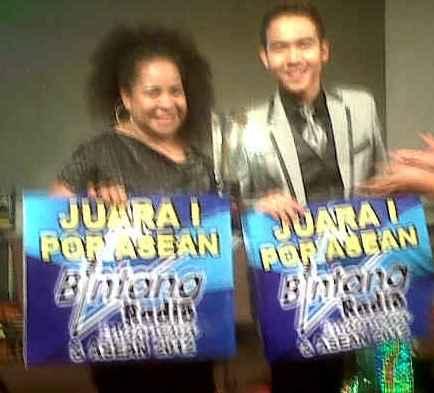Rando & Dorkas Juara Bintang Radio ASEAN 2012