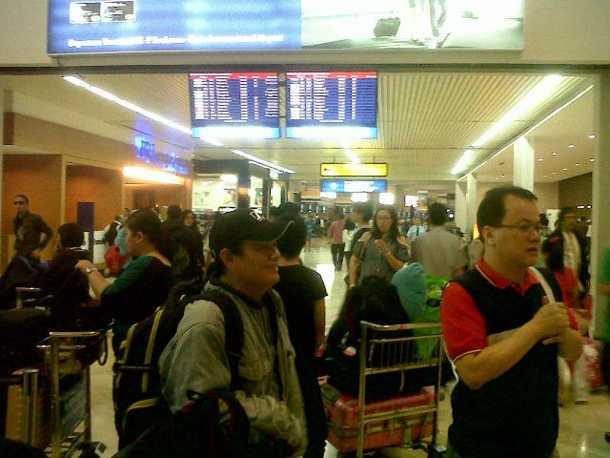 Bandara Soekarno Hatta Dipenuhi Artis Nagaswara
