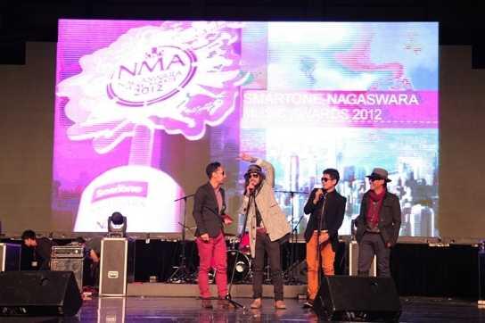Gemerlap Smartone Nagaswara Music Awards 2012