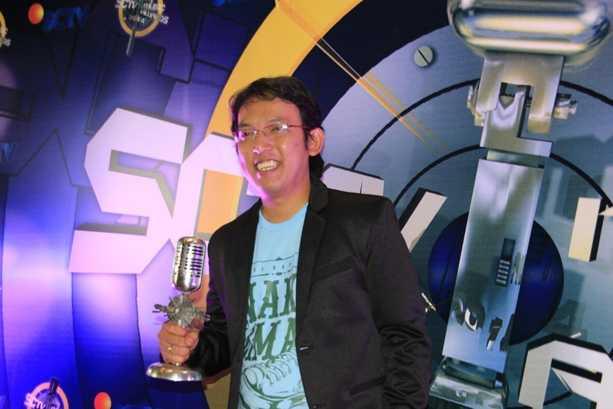 Apoy Pemain Gitar Paling Ngetop SCTV Music Awards