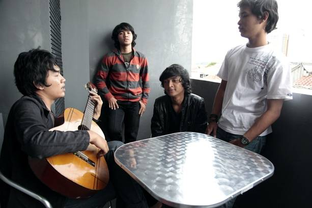 NAGASWARA Tidak Ada Hubungan Kerjasama Lagi Dengan Souqy Band