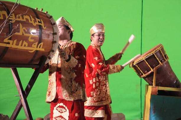 Religi Minang Ngantri Di Surga Wali Band
