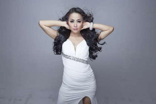 Dewi Luna Rilis Single Solaria
