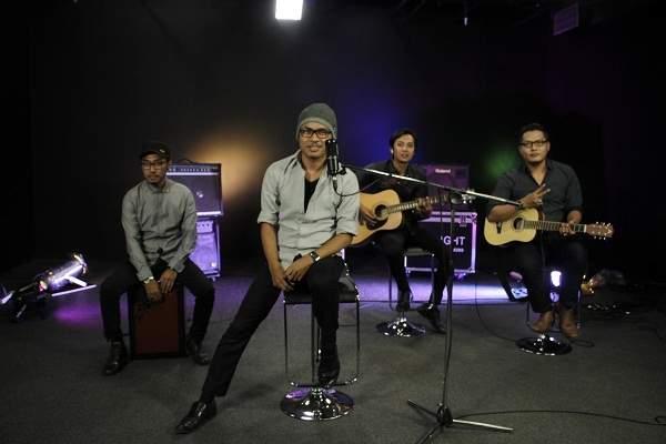 DeRama Band Kemas Ulang Lagu Jangan Bilang Sayang