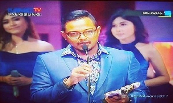 Wali Band Dapat Penghargaan Seleb On News Awards 2017