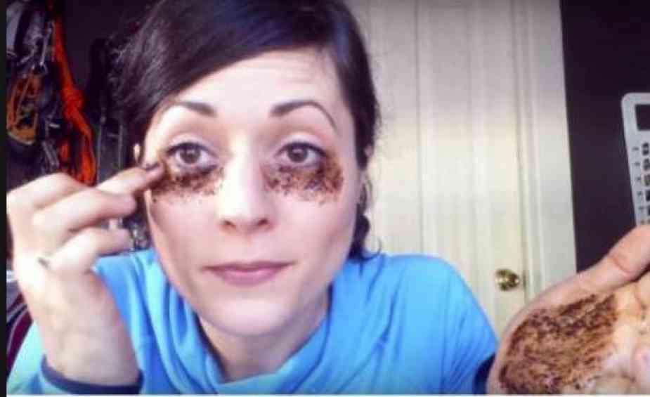 3 Cara Perawatan Sebelum Tidur Untuk Mengempiskan Kantung Mata