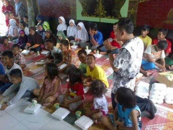 DeRama Band Ikut Konser Bangunkan Orang Sahur